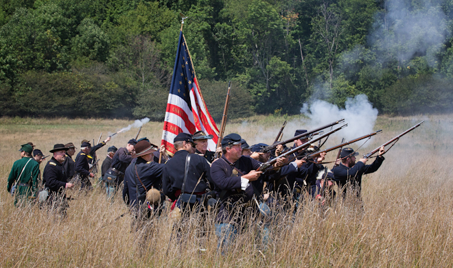 Union Army Advances on the Confederates