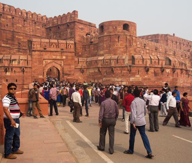Crowds at Agra Fort