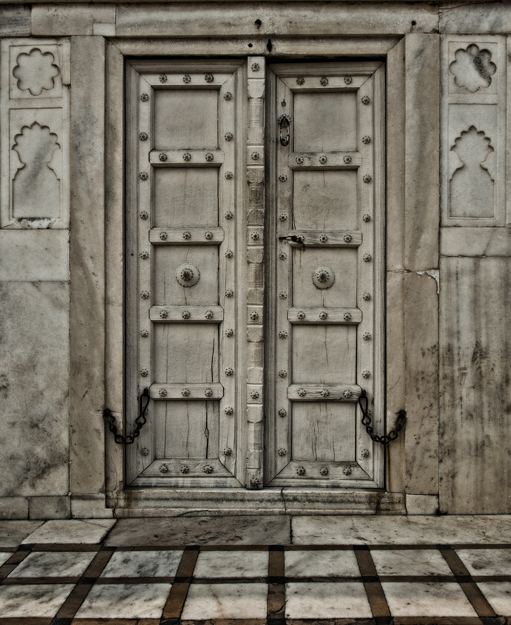 White Door and Chains, Agra Fort