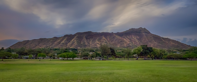 Diamond Head Crater from Kapiolani Park